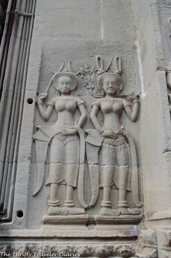 More Apsaras on walls