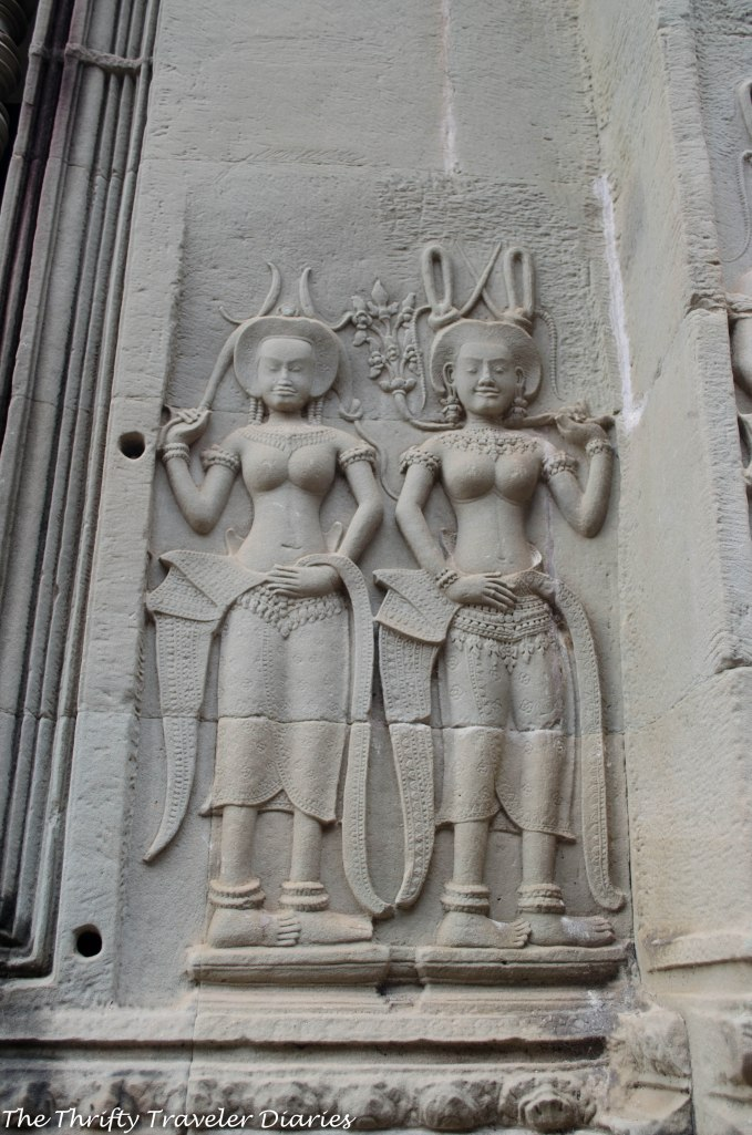 More Apsaras on walls