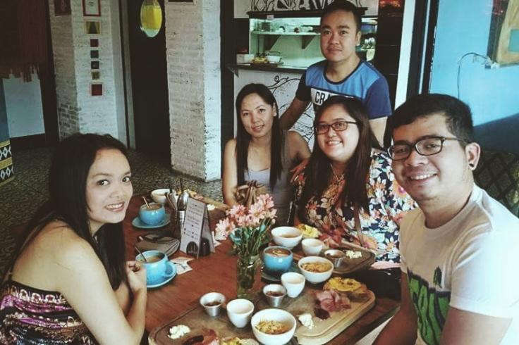 Having breakfast with great people before exploring Bali